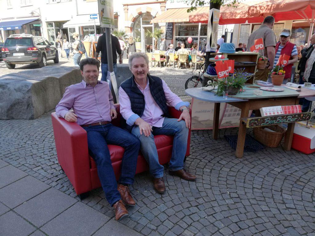 Oster-Info-Stand SPD Bad Dürkheim: Bürgermeister Christoph Glogger und Fraktionsvorsitzende Ralf Lang