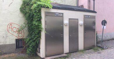Toiletten In Rot Kreuz Strasse 01